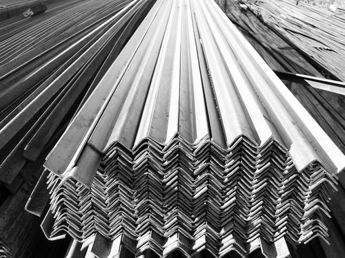 「角钢市场价」钢市动态:角钢市场价格跌幅较大